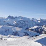 Winterpanorama mit Skigebiet Adelboden-Lenk (Bild: © Lenk Simmental Tourismus - swiss-image.ch/Mathias Kunfermann)