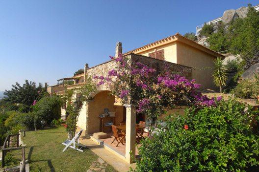 Villa in Sardinien (Bild: © TiSENTi)