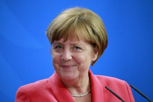 Angela Merkel als Wunschurlaubspartnerin (Bild: © 360b - shutterstock.com)