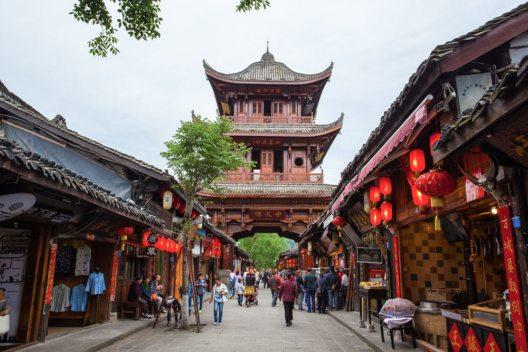 Die Altstadt von Langzhong (Bild: Meiqianbao – Shutterstock.com)