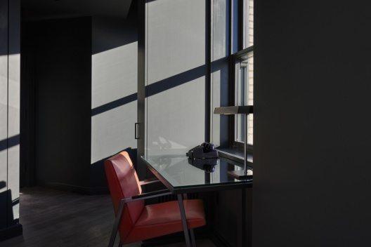 Mit sechs bis sieben Räumen pro Stockwerk, verteilen sich die 69 Zimmer des Hotels auf insgesamt zwölf Etagen.