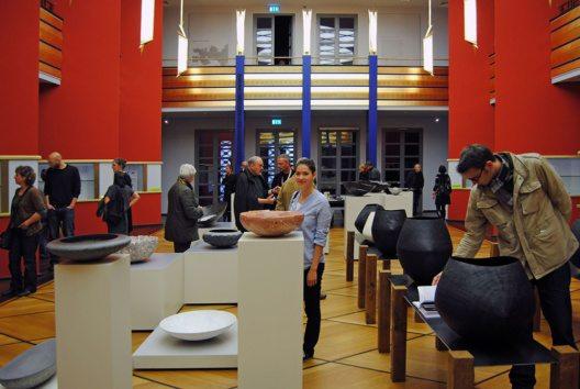 Die Grassimesse: An den 71 Messeständen im GRASSI Museum für Angewandte Kunst Leipzig können sich Privat- und Fachbesucher über Trends informieren und Einzelstücke vor Ort erwerben. (Bild: © Andreas Schmidt)