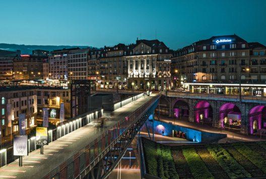 Das nächtliche Flon Quartier im Herzen von Lausanne+ (Bild: Switzerland Tourism – By-Line: swiss-image.ch/Ivo Scholz)