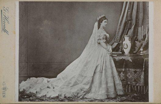 Elisabeth als ungarische Königin (Bild: © © SKB)