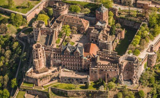 Heidelberger Schloss aus der Luft (Bild: Heidelberg Marketing GmbH / Tobias Schwerdt)