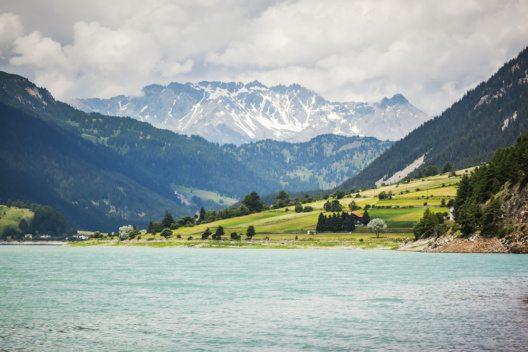 Reschensee (Bild: © markus-gann - shutterstock.com)