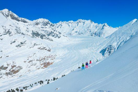 schneeschuhlaufen-am-grossen-aletschgletscher-aletsch-arena-cp-s
