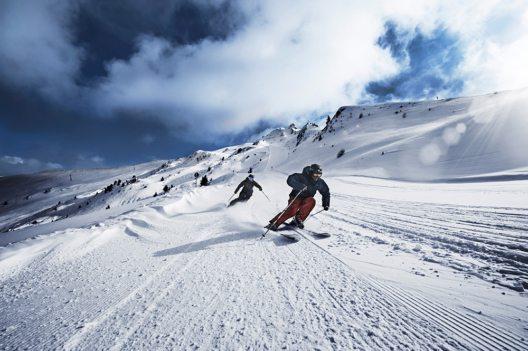 Das Skigebiet Hochzeiger in Jerzens im Pitztal punktet mit gemütlichen Abfahrten und Traumpanoramen Bild: © Albin Niederstrasser / Hochzeiger Bergbahnen)