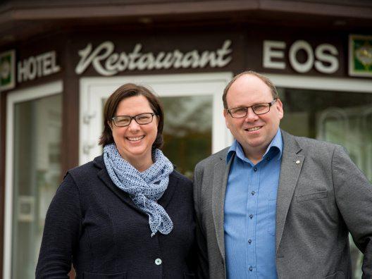 Gastgeber Andrea und Olaf Iskra (Bild: © Ostseehotel STRANDKIND)
