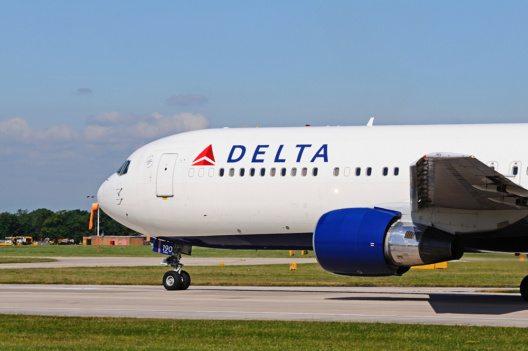 Noch mehr Flugkomfort und viele Neuigkeiten – Delta Air Lines im Oktober! (Bild: © CaronB - istockphoto.com)
