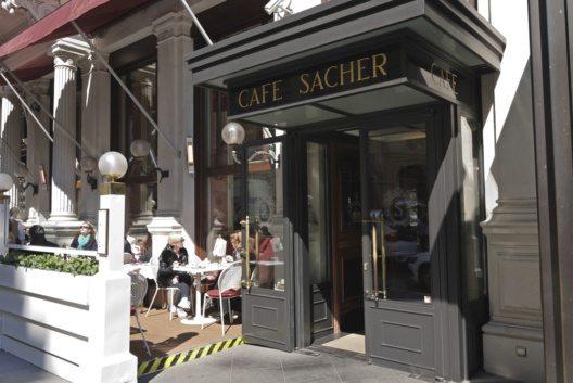 Cafe Sacher in Wien (Bild: Ljiljana Pavkov – istockphoto.com)
