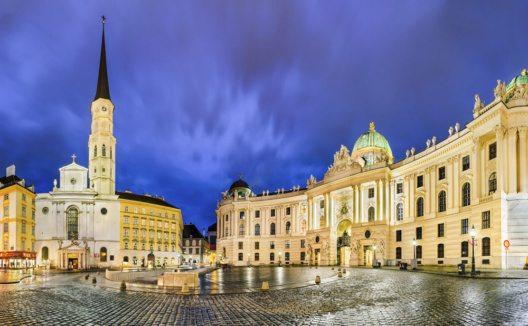 Michaelerplatz in Wien (Bild: Mapics – istockphoto.com)