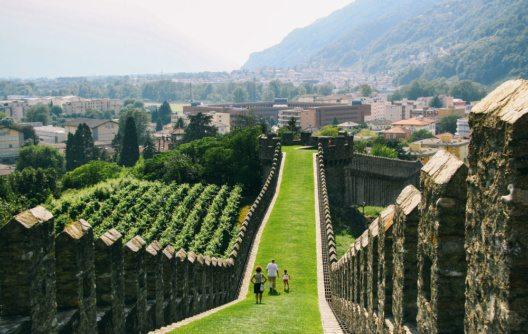 Das Tessin ist ein Wanderparadies zu jeder Jahreszeit. (Bild: lulu and isabelle – Shutterstock.com)