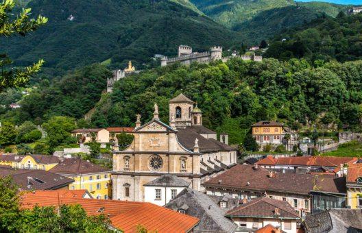 Die Burgen von Bellinzona sollten den Eidgenossen die Expansion Richtung Süden verwehren. (Bild: Dmitri Ogleznev – Shutterstock.com)