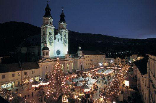 Ende November lohnt sich ein Abstecher auf einen der attraktivsten Weihnachtsmärkte Europas. (Bild: Südtirol Marketing)