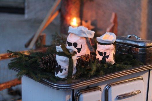 Beim Schenner Bauernadvent präsentieren Einheimische Handwerkskunst und Köstlichkeiten aus Südtirol. (Bild: © Tourismusverein Schenna)
