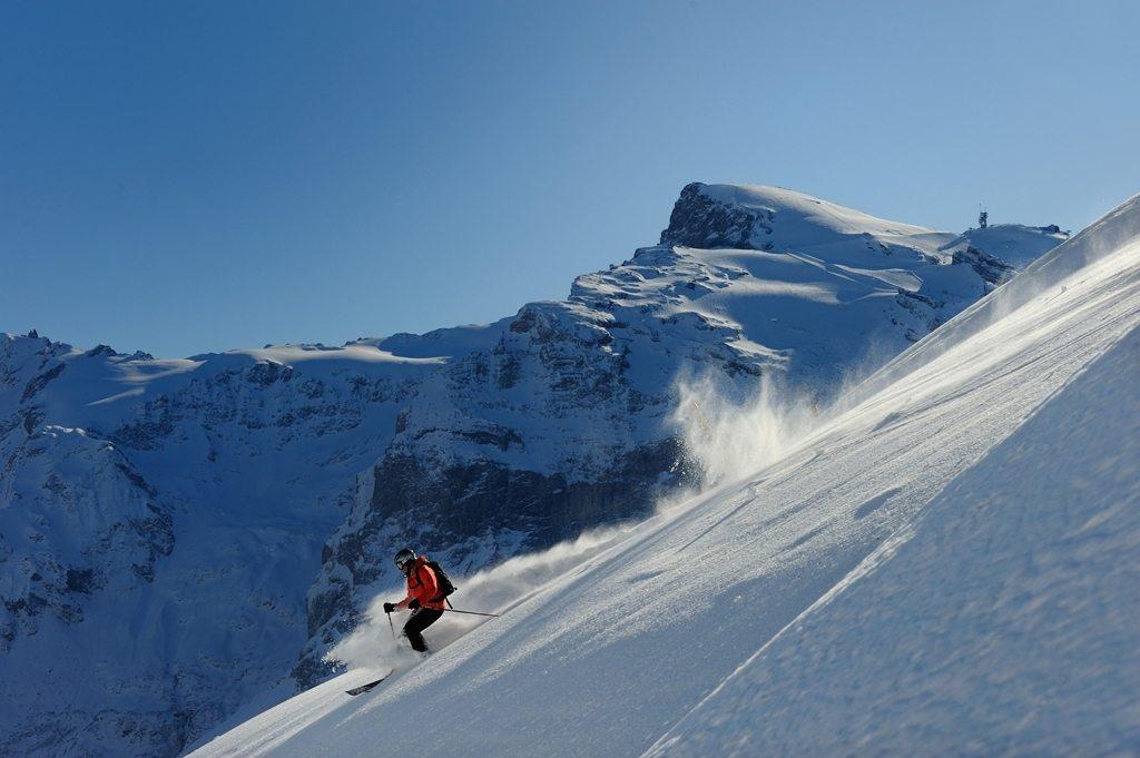 Skifahren, Tiefschnee, Ski, Berg Titlis;.Freeriding, Ski, Mountain Titlis;