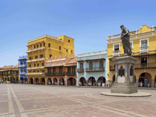 Kolumbien, Cartagena - Plaza de Los Coches und Denkmal zu Ehren von Pedro Heredia