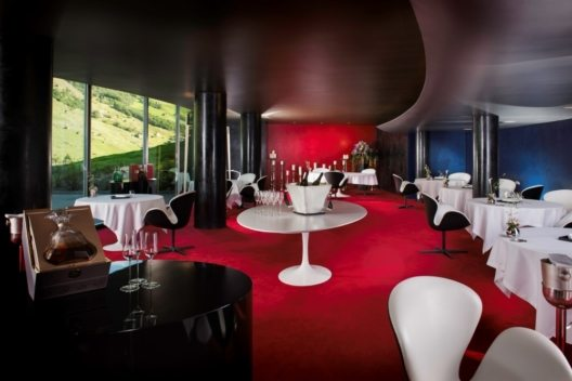 Restaurant 7132 Hotel