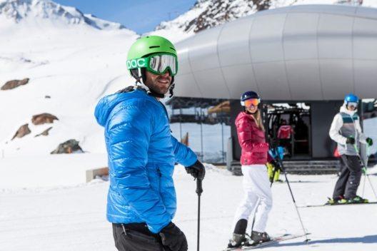 Auf den fünf Tiroler Gletschern befinden sich nicht nur die höchsten Skigebiete Österreichs, in luftiger Höhe gibt auch Berggastronomie. (Bild: © Pitztaler Gletscherbahn, Daniel Zangerl)