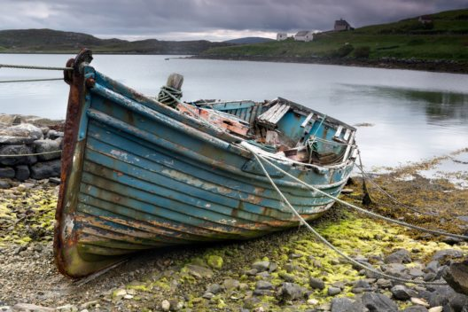 Boot auf der Isle of Lewis. (Bild: © Anneka - shutterstock.com)