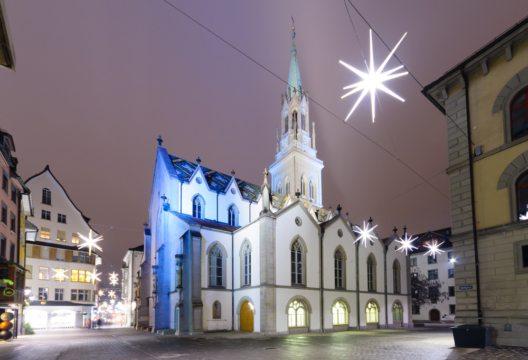700 Sterne machen St. Gallen zur Sternenstadt. (Bild: RnDmS – Shutterstock.com)