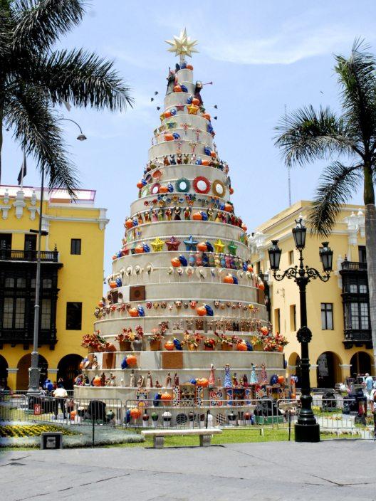 Weihnachtsbaum in Peru (Bild: © Jpiks - shutterstock.com)