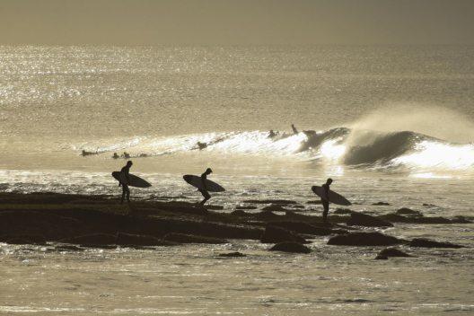 Mit Emirates zu den besten Surfspots in Australien (Bild: Keir Sinclair)
