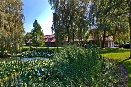 Parkhotel de Wiemsel Park Seerosenteich
