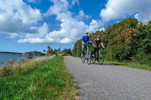 Mit Radweg-Reisen entlang der Westküste Schwedens radeln - Ein Highlight der neuen Reise von Radweg-Reisen ist Schwedens erster nationaler Fahrradweg entlang der Westküste. Der so genannte Kattegatleden verläuft durch die Region Schonen mit endlos scheinenden Stränden und Landschaften.