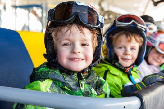 Serfaus Fiss Ladis Auf zur Skischule (Bild: © Tirol Werbung Robert Pupeter)