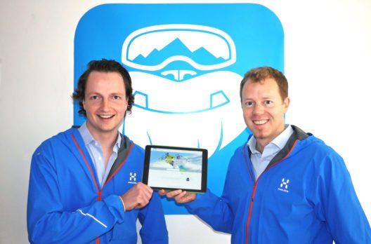 Stefan Pinggera (links) und Georg Reich freuen sich auf den bevorstehenden Winter. Mit mehr als 1.500 Angeboten aus über 200 Skiorten ist CheckYeti bereits fest am Markt etabliert.