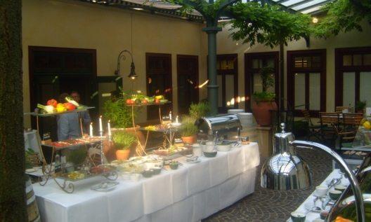 Biergarten Grillbuffet