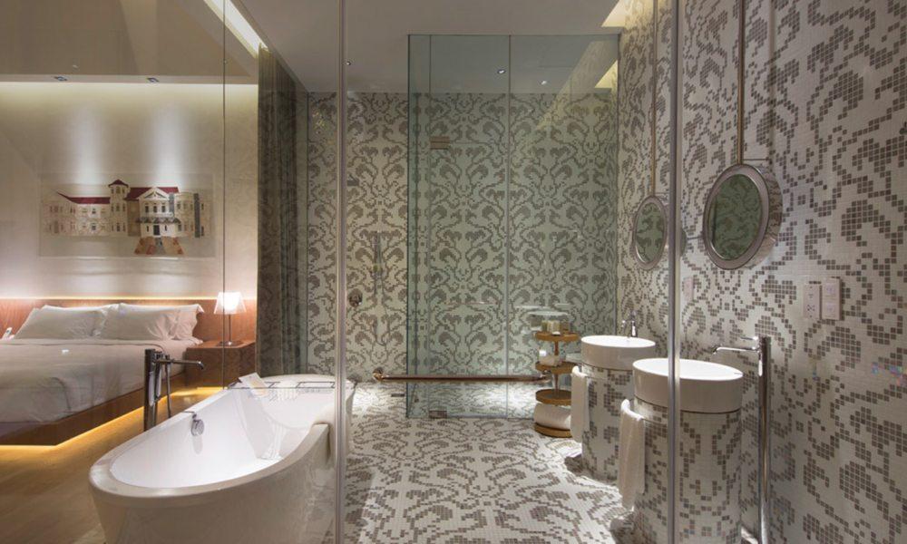 Badezimmer im hotel in diesen sechs design hotels for Hotel badezimmer design