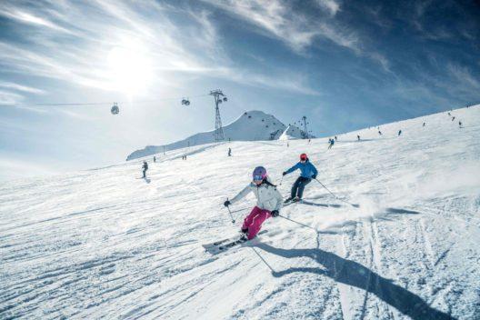 """Eleganter, sicherer, weniger anstrengend: Die Technik hinter dem """"Schönskifahren"""" (Bild: © Gletscherbahnen_Kaprun)"""
