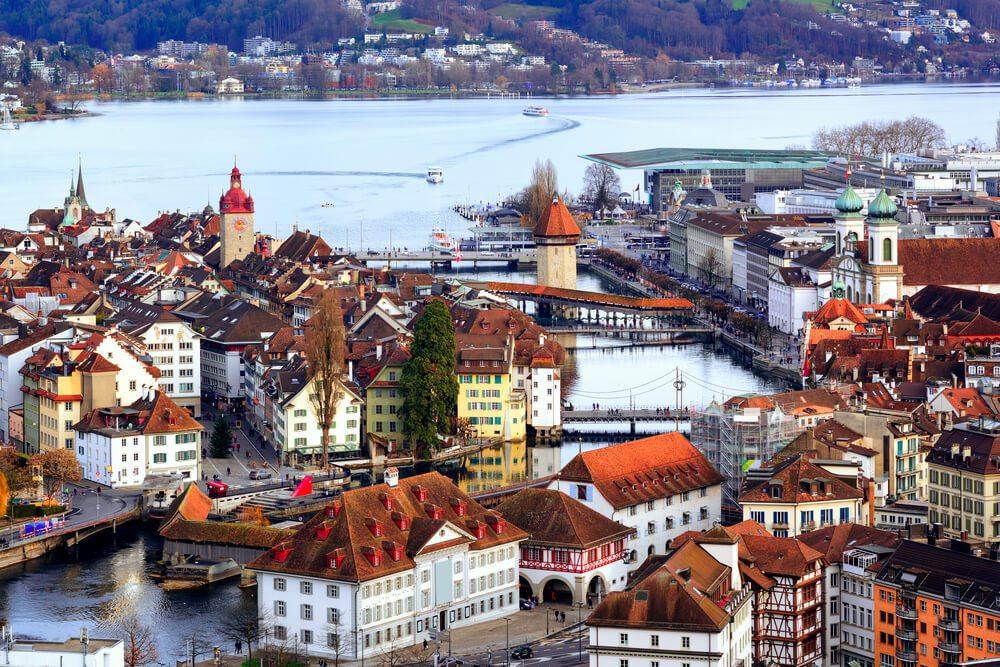 Luzern erwartet Entdeckungsfreudige. (Bild: Boris Stroujko - shutterstock.com)