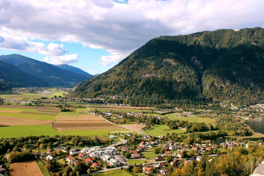 Blick auf Villach (Bild: Owe - shutterstock.com)