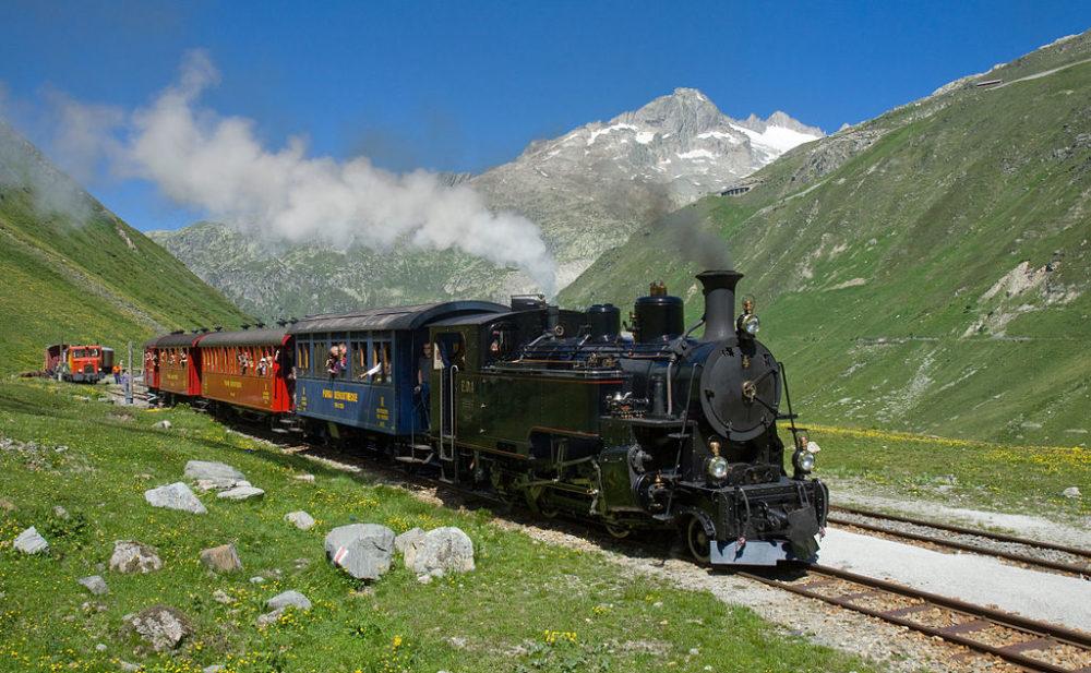 Eine Fahrt mit der Furka Dampfbahn verspricht aufregende Erlebnisse. (Bild: Kabelleger / David Gubler / http://www.bahnbilder.ch, Wikipedia, CC BY-SA 3.0)