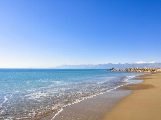 Lara Beach an der türkischen Riviera (Bild: © Authentic travel - shutterstock.com)