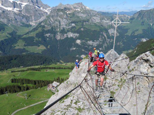 Spass und Herausforderung am Klettersteig