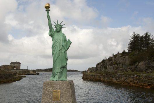 Freiheitsstatue in Norwegen (Bild: © Matt Coch)