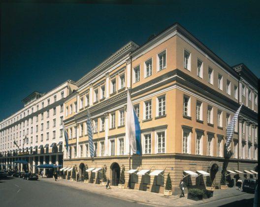 Hotel Bayerischer Hof - Aussenansicht (Bild: © Preferred Hotels and Resorts)
