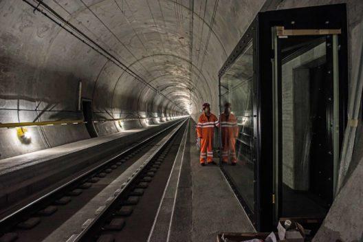 Gotthard Tunnel-Erlebnis immer von Dienstag bis Samstag um 9.30 Uhr und 13.30 Uhr mit Treffpunkt Erstfeld (Bild: © AlpTransit Gotthard AG)