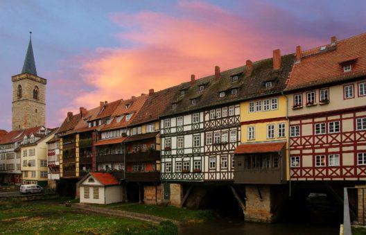 Erfurt - Dämmerung (Bild: © Karl-Heinz Laube - pixelio.de)