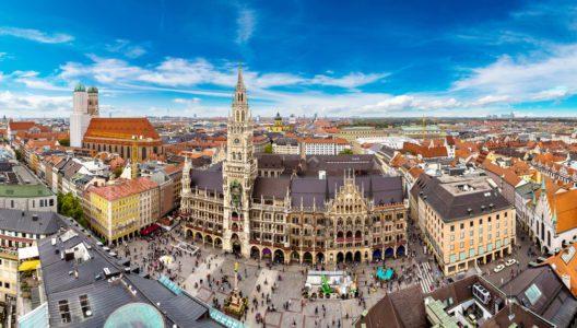 Das Rathaus im Zentrum Münchens (Bild: © S-F - shutterstock.com)