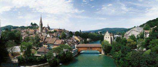 Baden: Blick auf die Altstadt mit Stadtkirche und Limmat (Bild: Schweiz Tourismus / swiss-image.ch / Christof Sonderegger)