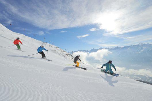 Skifahren und Snowboarden (Bild: © Sepp Mallaun)