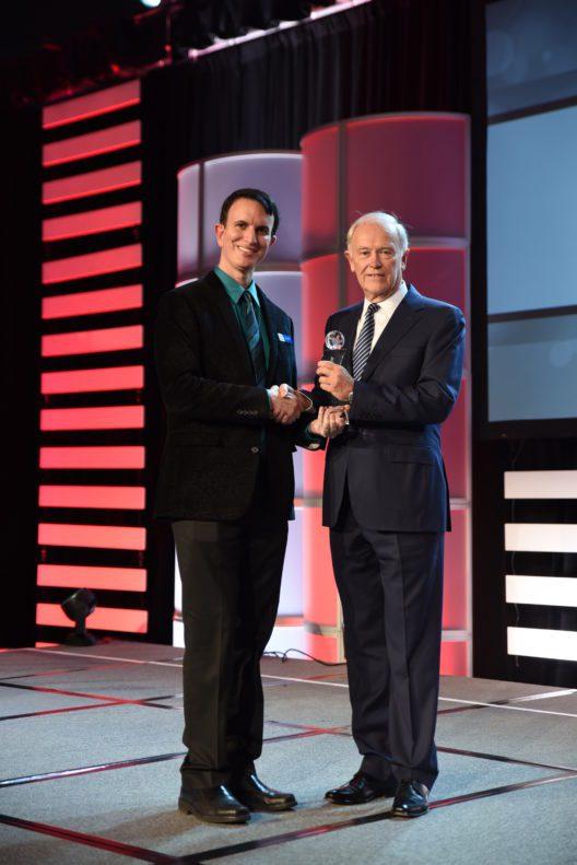 Sir Tim Clark erhält CEO Lifetime Achievement Award (Bild: © Emirates)