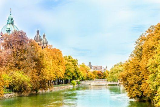 München hat auch im Herbst viel zu bieten. (Bild: streetflash - shutterstock.com)
