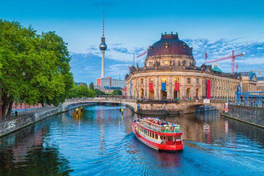 Top 2-Reiseziel Berlin (Bild: canadastock - shutterstock.com)